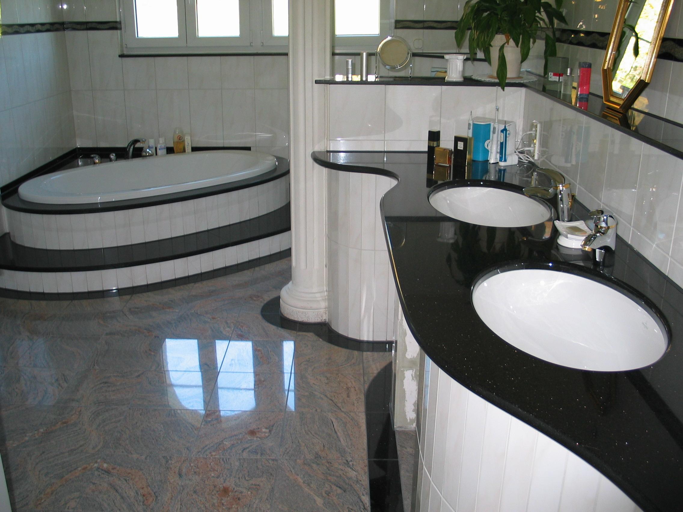 Nero Assoluto poliert Waschtisch- und Badewannenabdeckung